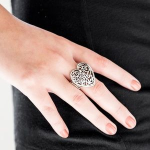 Meet Your MATCHMAKER - Silver Stretchy Ring